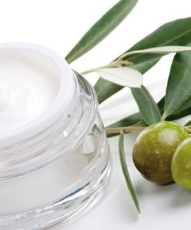 Natural cosmetics with olive oil. Capriche d'Olive