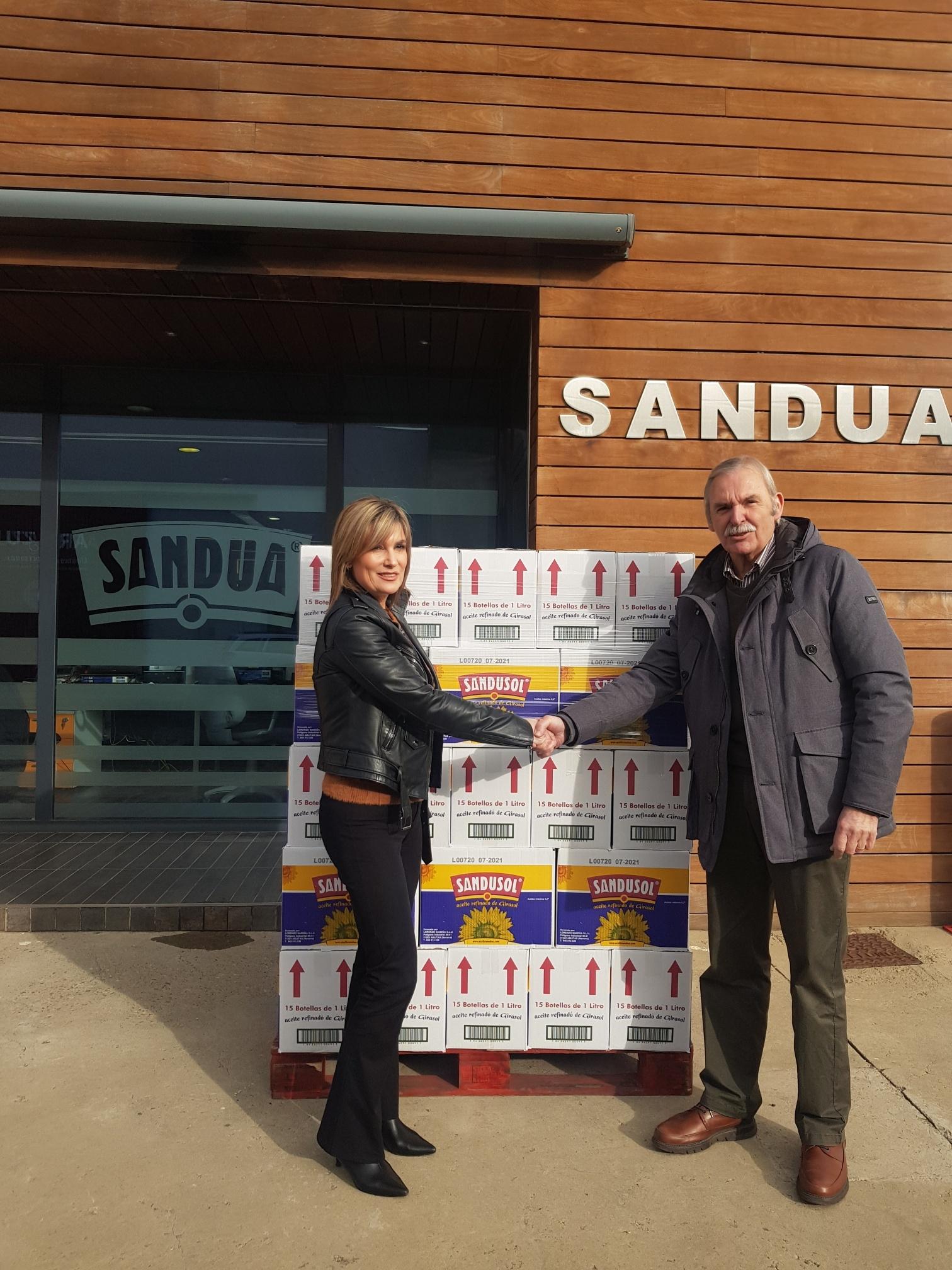 Aceites Sandúa dona 660 L de aceite al Banco de Alimentos de Navarra
