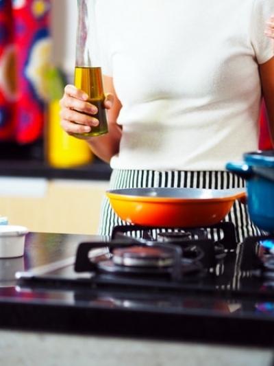 The best tricks to prevent dangerous splatters of the oil when frying